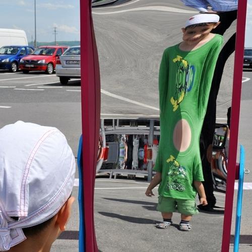 Oglinzi de carnaval